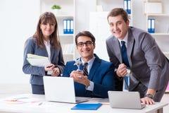 与雇员的业务会议在办公室 库存照片