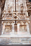 与雕象和装饰品的古色古香的门面做了†‹â€ ‹石头 免版税图库摄影