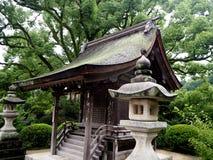 与雨的Dazaifu Tenmangu寺庙 库存照片