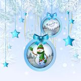与雪人的圣诞节球 免版税库存图片