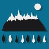 与雪和树的山 免版税库存照片