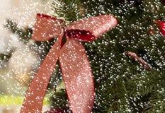 与雪的圣诞节装饰 免版税库存照片