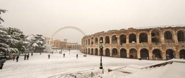与雪的竞技场二维罗纳-威尼托意大利 库存照片