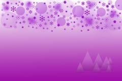 与雪花的紫色圣诞节背景 免版税图库摄影