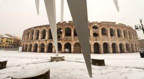 与雪-威尼托意大利的竞技场二维罗纳 库存照片