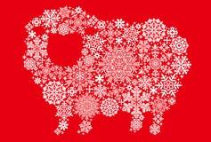 与雪水晶和小垫布的绵羊 免版税库存照片