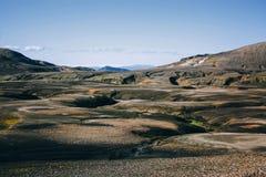 与青苔的风景在冰岛 山和火山区 库存图片