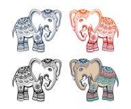 与非洲部族装饰品的印地安种族大象 免版税库存照片