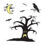 与面孔场面的万圣夜鬼的树 图库摄影