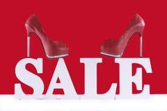 与鞋子的销售增进信件 免版税库存照片