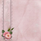 与鞋带,玫瑰,珍珠的葡萄酒华美的背景 库存照片