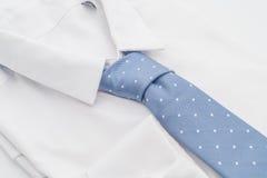 与领带的衬衣 免版税库存图片