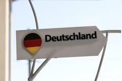 与题字`德国`的一个标志用德语 免版税库存图片