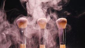 与颜色化妆用品粉末的构成刷子 影视素材