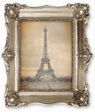 与风格化艾菲尔铁塔照片的老葡萄酒框架在帆布 免版税图库摄影