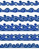 与风格化蓝色的海洋无缝的样式在轻的背景挥动 水波海海洋摘要传染媒介设计艺术 向量例证