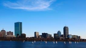 与风船的4K UltraHD Timelapse波士顿地平线在前面 股票视频