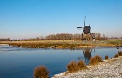 与风车的荷兰语横向 免版税库存照片