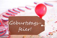 与飘带,气球, Geburtstagsfeier的标签意味生日聚会 免版税库存图片