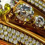 与首饰宝石的一只订婚金戒指 库存图片