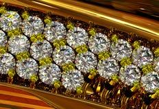 与首饰宝石的一只订婚金戒指 免版税库存图片