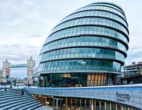 与香港大会堂的伦敦都市风景,塔桥梁,英国,英国 库存照片