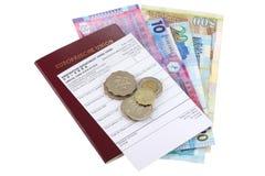 与香港美元和更改地址通知单的护照 库存图片