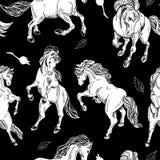 与马的手拉的无缝的背景 免版税库存图片