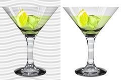 与马蒂尼鸡尾酒, l的透明和不透明的现实马蒂尼鸡尾酒玻璃 向量例证