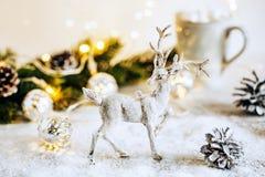 与驯鹿的圣诞节背景 免版税库存照片