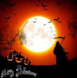 与鬼魂和南瓜的万圣夜背景在满月 免版税库存照片