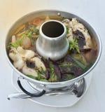 与鱼的泰国辣汤-汤姆汤 免版税库存照片
