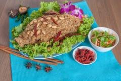 与鲶鱼菜单的泰国辣沙拉 库存图片