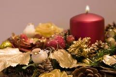 与鸟的圣诞节装饰品 免版税库存图片