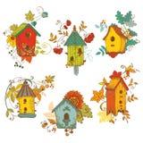 与鸟舍的装饰秋天分行 免版税库存照片