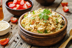 与鸡和菜的奎奴亚藜肉饭 免版税图库摄影