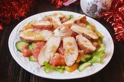 与鸡和葡萄柚的欢乐沙拉 库存照片
