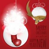 与鹿和圣诞老人起动的两个抽象圣诞节球从纸cutted 库存图片