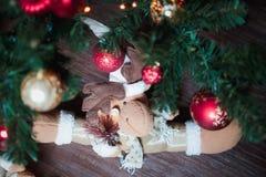 与鹿的圣诞节内部 免版税库存图片