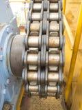 与齿轮的链子 库存图片
