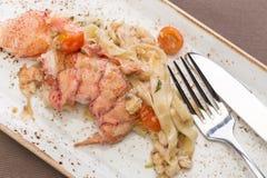 与龙虾的面团意大利细面条 免版税库存照片