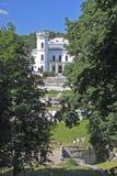 与19世纪的庄园房子的乌克兰风景 免版税库存照片