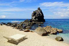 与轻便马车休息室的海景。 Apo海岛 库存图片