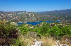 与水库,塞浦路斯的Kouris水坝 库存照片