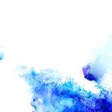 与水彩污点和蝴蝶的蓝色构成的抽象背景 库存照片
