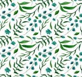 与水彩蓝色花和绿色叶子的无缝的纹理 免版税库存图片