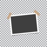 与阴影的减速火箭的照片框架在透明背景的稠粘的磁带别针 向量例证