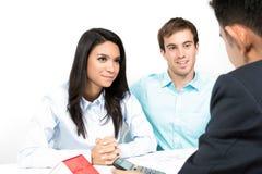 与财政顾问的一次夫妇会谈 免版税库存图片