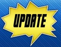 与更新消息的明亮的黄色讲话泡影 背景蓝色镶边了 免版税库存照片