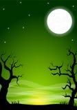 与满月的令人毛骨悚然的万圣夜夜背景 免版税库存图片